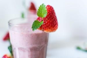 Un petit déjeuner, actif énergétique de la santé de votre peau, de vos cheveux et de vos ongles