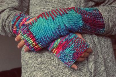 Maladie de Raynaud, protégez vos doigts blancs du froid avec des gants ou des mitaines pendant les changements de température